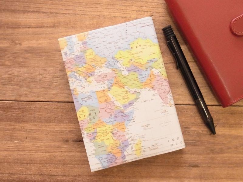 画像2: 【ネコポスOK】 ストーンペーパーのブックカバー 文庫 ポップ
