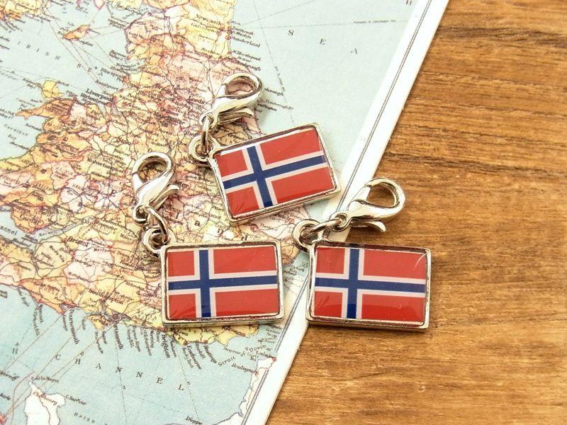 画像1: 【ネコポスOK】 世界の国旗 チャーム [ノルウェー] 1個