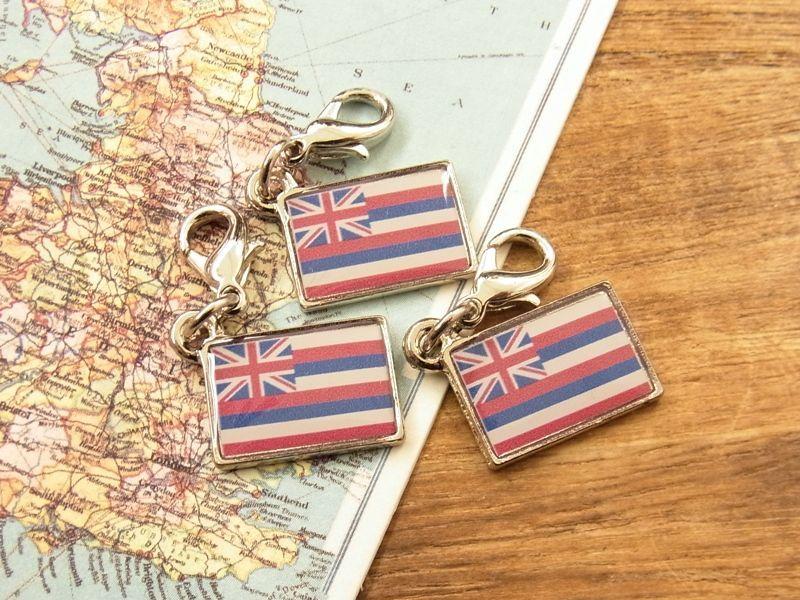 画像1: 【ネコポスOK】 世界の国旗 チャーム [ハワイ州旗] 1個