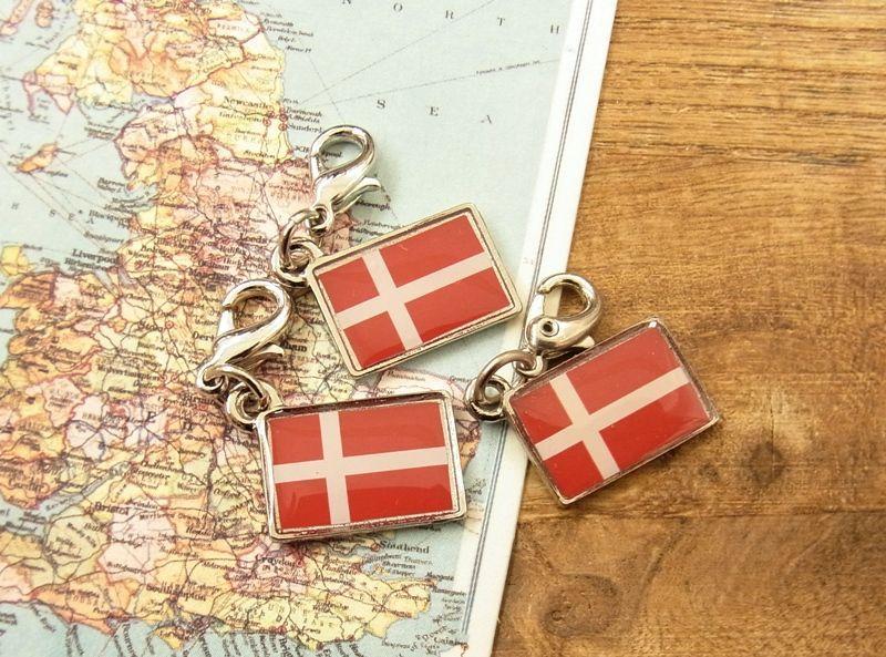 画像4: 【ネコポスOK】 世界の国旗 チャーム [デンマーク] 1個