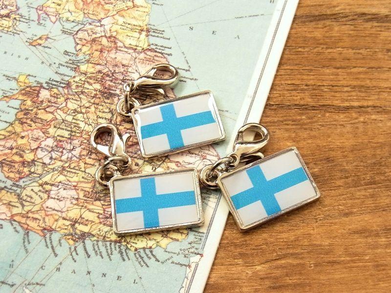 画像4: 【ネコポスOK】 世界の国旗 チャーム [フィンランド] 1個