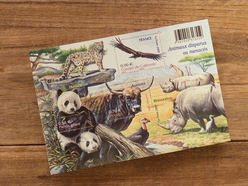 画像1: 【ネコポスOK】 外国未使用切手 フランス 自然シリーズ 絶滅に瀕する動物 (1シート)