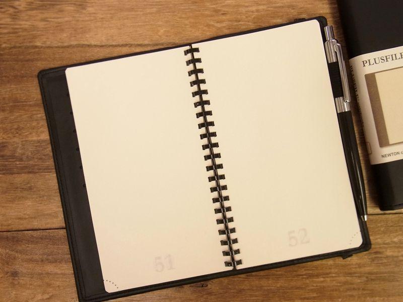 画像2: 【ネコポスOK】 イギリス PLUSFILE/プラスファイル  ニュートン ノートブック