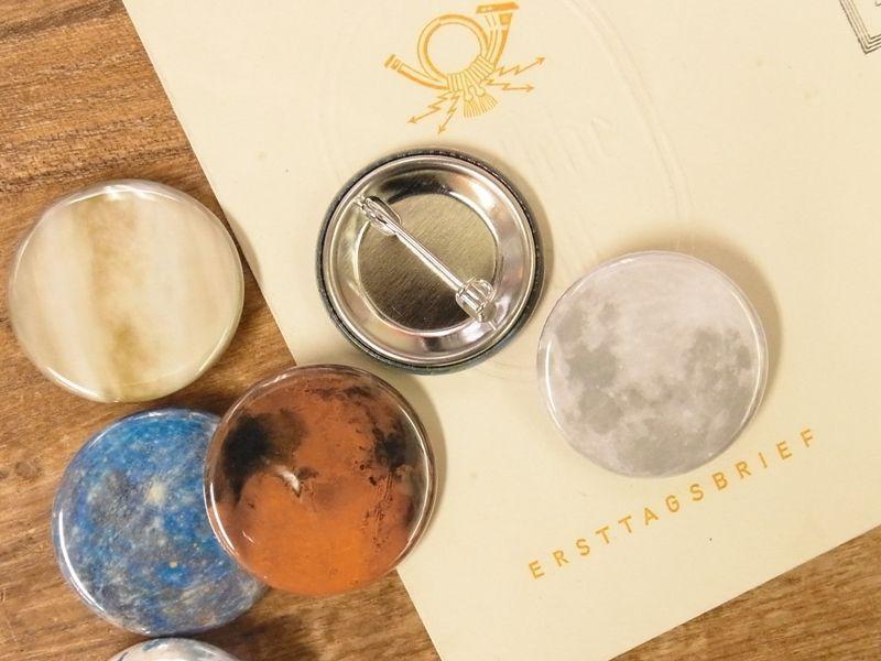 画像2: 【ネコポスOK】 惑星 缶バッジ 32mm 太陽(1個)