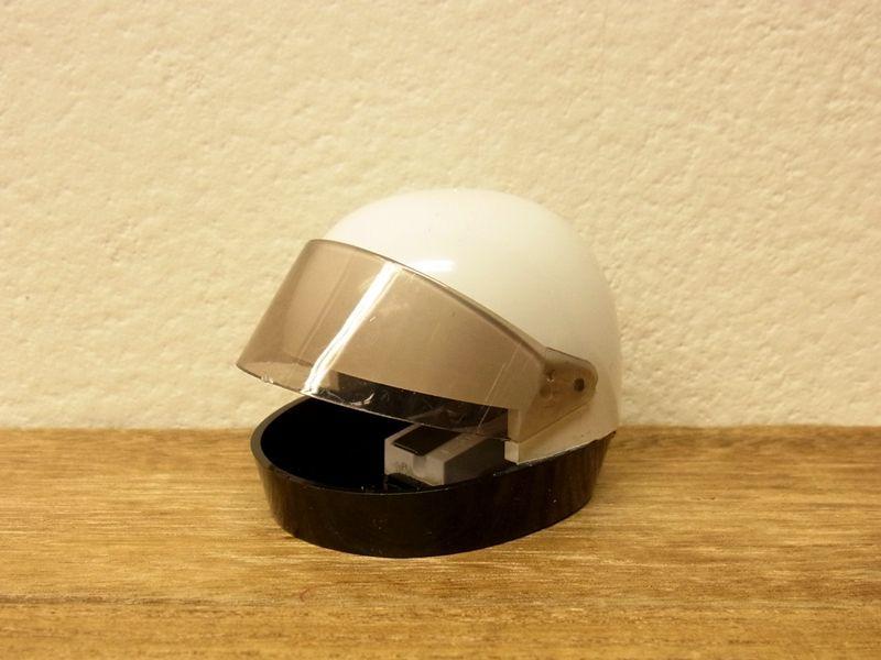 画像1: 【ネコポスNG】【デットストック】 西ドイツ KUM ヘルメット型シャープナー ホワイト