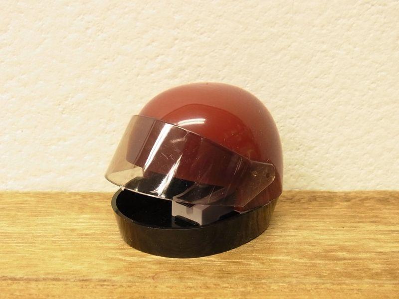 画像1: 【ネコポスNG】【デットストック】 西ドイツ KUM ヘルメット型シャープナー レッド