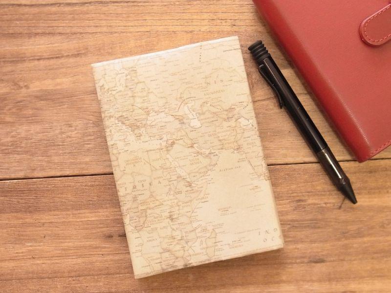 画像2: 【ネコポスOK】 ストーンペーパーのブックカバー 文庫 レトロ