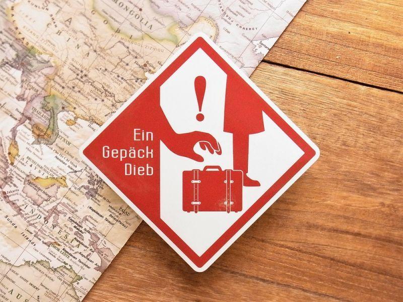 画像1: 【ネコポスOK】 旅屋オリジナル 旅ステッカー Ein Gepäck Dieb/置引注意!
