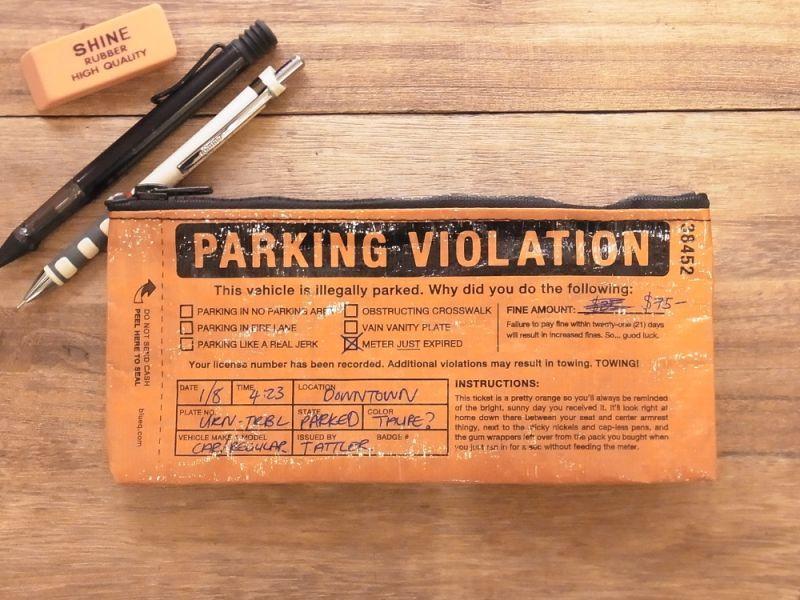 画像3: 【ネコポスOK】 アメリカ Blue Q/ブルーキュー ペンケース Parking Violation