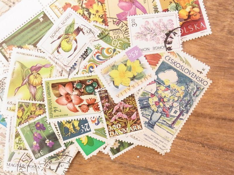 画像1: 【ネコポスOK】 外国使用済切手 世界の花切手 50枚入り