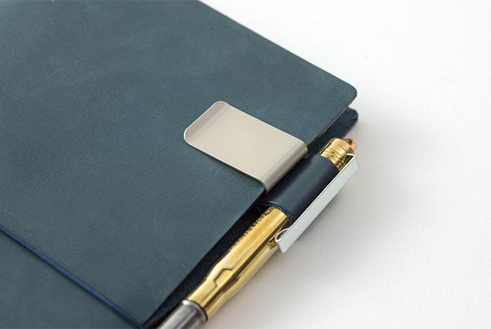 画像3: 【ネコポスOK】 トラベラーズノート ペンホルダー ブルー M