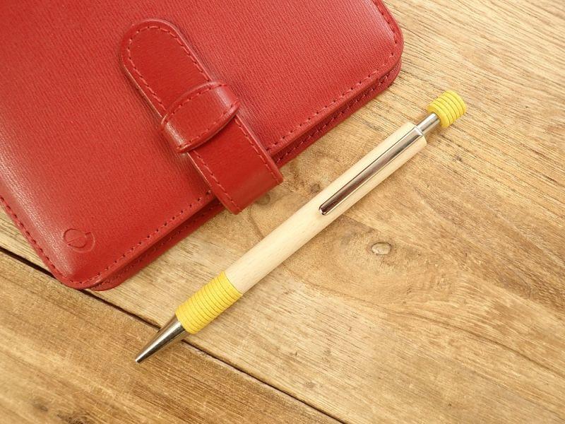 画像1: 【デットストック】【ネコポスOK】 ドイツ Ehmann/イーマン 木軸ボールペン イエロー