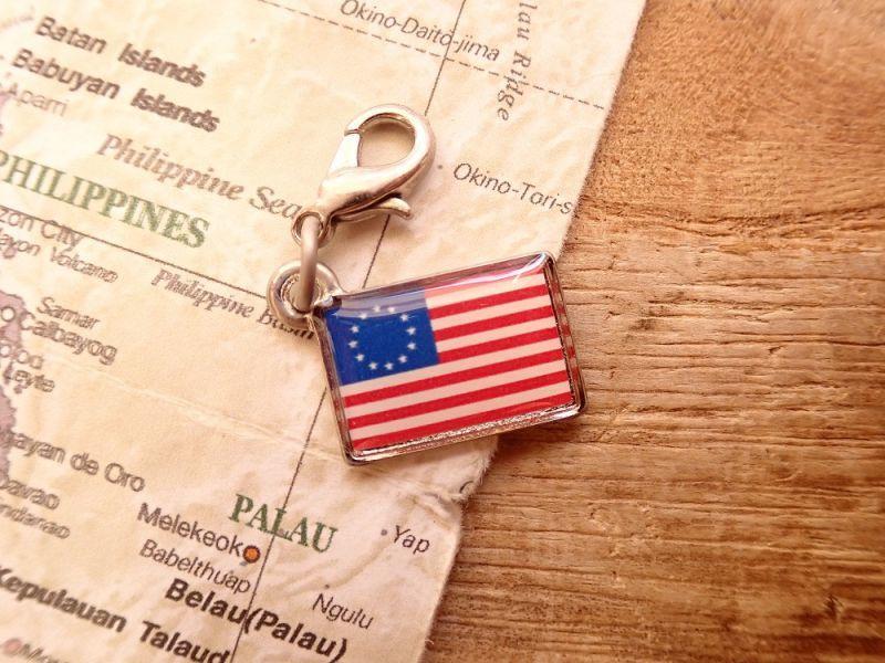 画像1: 【ネコポスOK】 世界の国旗 チャーム [アメリカ合衆国('77-'95)] 1個