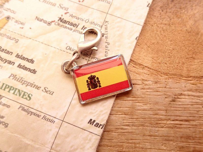 画像1: 【ネコポスOK】 世界の国旗 チャーム [スペイン] 1個