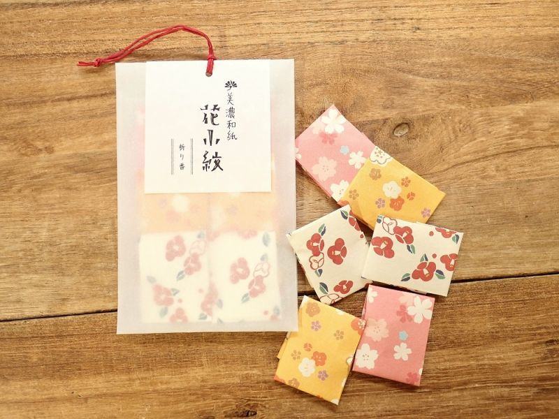 画像1: 【ネコポスOK】 文香 花小紋 折り香