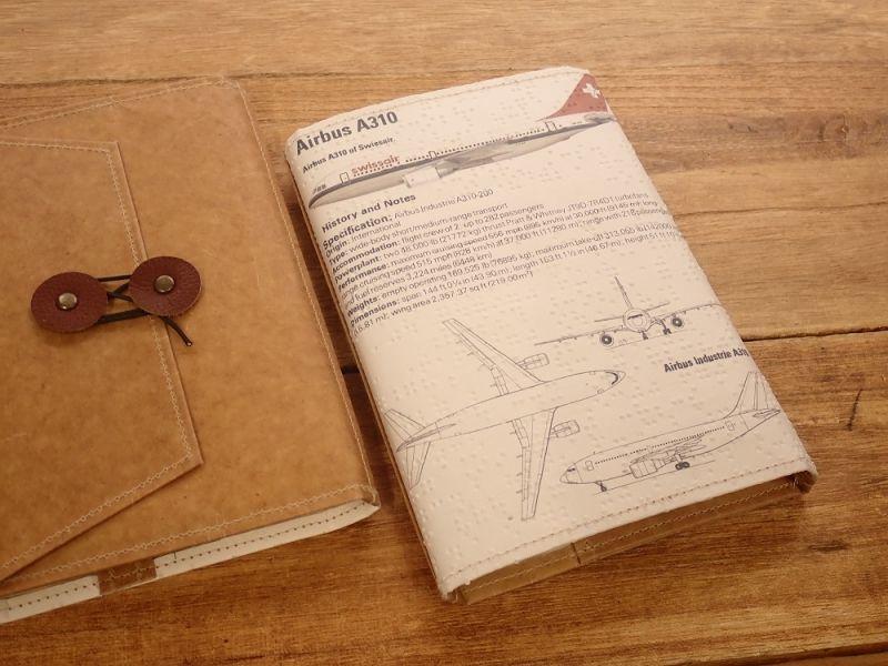 画像3: 【旅屋限定柄】【ネコポスOK】 Quaint Design/クイントデザイン Robinson 文庫ブックカバー 飛行機 SWISSAIR