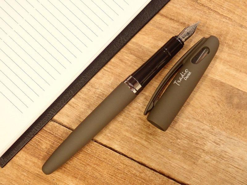 画像2: 【ネコポスOK】 Pentel Tradio Fountain Pen/万年筆 ユーログレイ