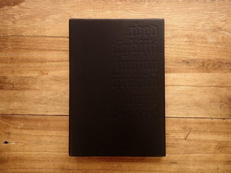 画像2: 【ネコポスOK】 DAYCRAFT Gutenberg Bibel Notebook A5 ブラック