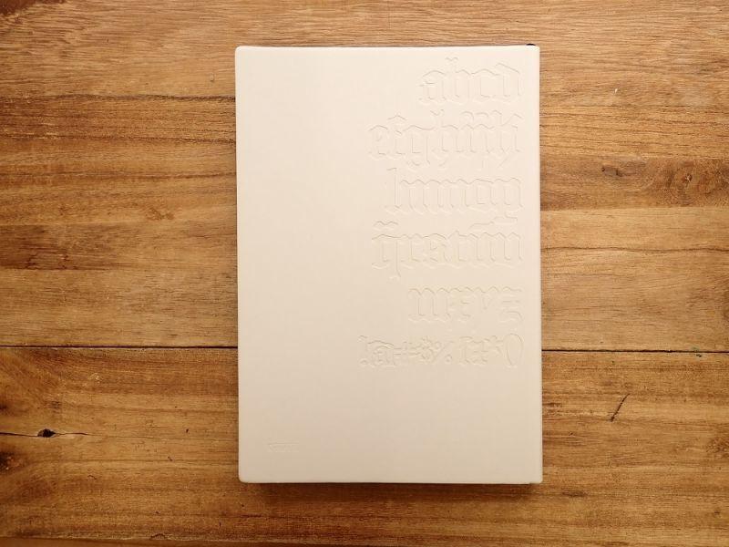 画像2: 【ネコポスOK】 DAYCRAFT Gutenberg Bibel Notebook A5 ホワイト