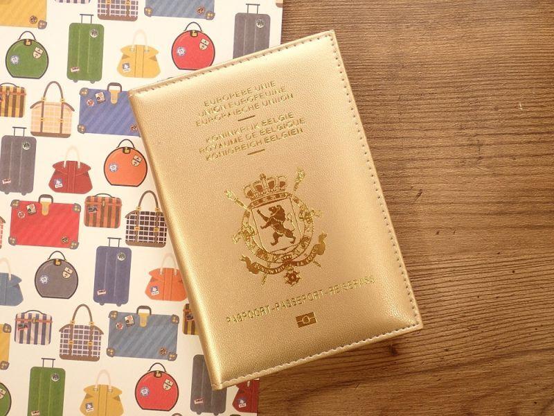 画像1: 【ネコポスOK】 パスポートカバー BELGIEN ゴールド